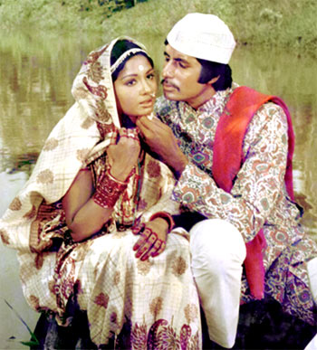 Understanding the male psychology@ Saudagar – 1973 film.